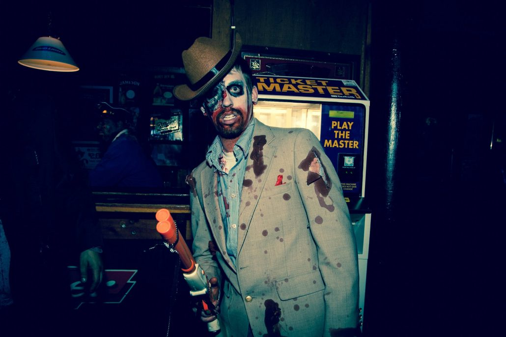 Zombie_Pub_Crawl_Menomonie_Wisconsin_October_2012_Bar_and_Event_Photography_083