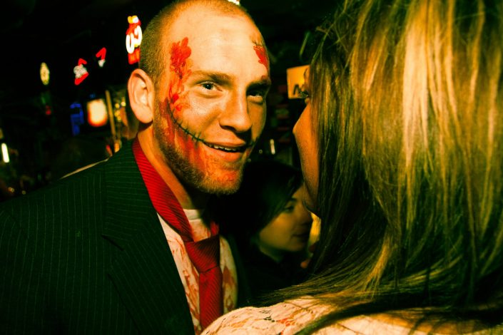 Zombie_Pub_Crawl_Menomonie_Wisconsin_October_2012_Bar_and_Event_Photography_097