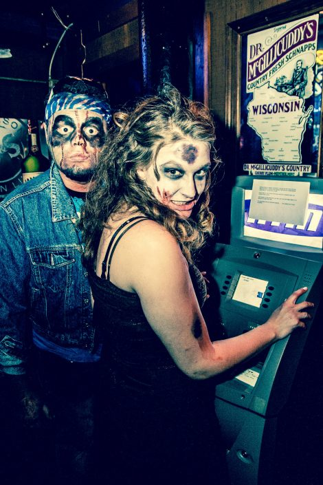 Zombie_Pub_Crawl_Menomonie_Wisconsin_October_2012_Bar_and_Event_Photography_098